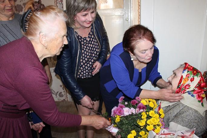 18 кастрычніка стогадовы юбілей адзначыла жыхарка аграгарадка Пескі Вера Ігнацьеўна Дубаневіч